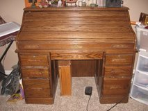 Roll top desk (Oak) in 29 Palms, California